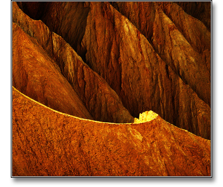 Death Valley Swoosh - Photograph copyright Stephen Boyle