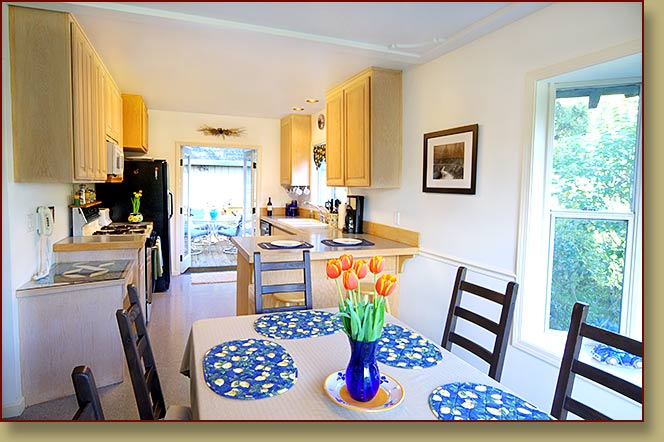 Self-catering, fully-equipped kitchen at a vacation rental in Healdsburg, Sonoma County, California